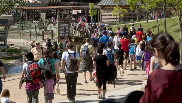 Visitantes en Sendaviva. Cedida