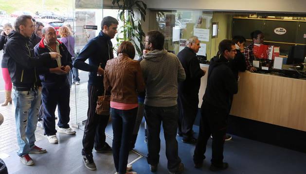 Los socios retiran sus entradas en las oficinas del Sadar