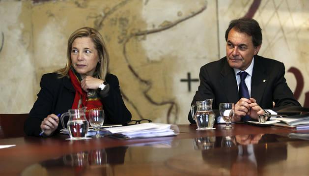 El presidente de la Generalitat, Artur Mas, y la vicepresidenta Joana Ortega, durante la reunión semanal del gobierno catalán