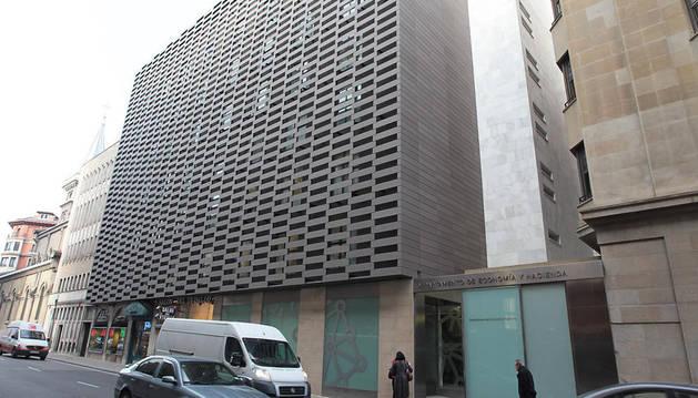 Edificio del departamento de Economía y Hacienda de Navarra