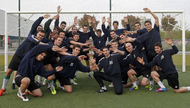 Los jugadores del San Juan, invictos esta temporada, posan para la foto