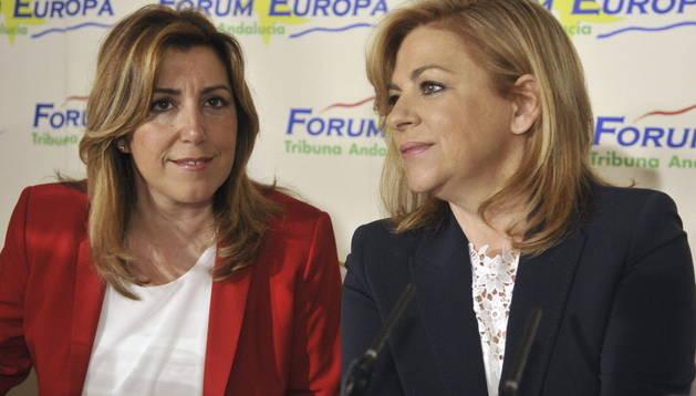 La cabeza de lista por el PSOE en las elecciones europeas y vicesecretaria general del partido, Elena Valenciano (d), junto a la presidenta andaluza Susana Díaz