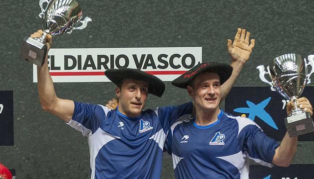 Irujo y Barriola, con las txapelas de campeón