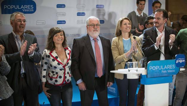 Arias Cañete en un acto en Bilbao junto a dirigentes del PP vasco