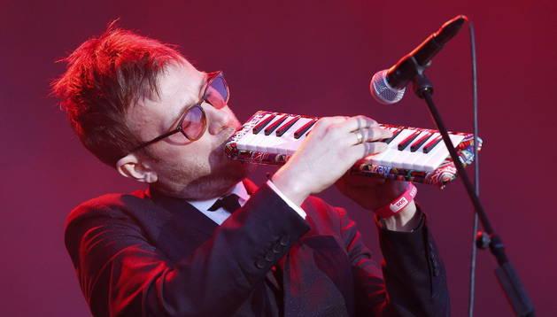 El cantante y músico británico Damon Albarn durante el concierto.