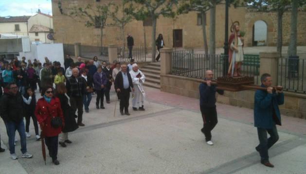 Con el santo, Segundo Fernández López de Dicastillo (dcha.) e Ignacio Urmeneta Arizala.