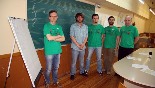 De izquierda a derecha, Enrique Hernández, Diego Ramírez, Aitor Odriozola, Sergio Gil y Santiago Fernández, durante la presentación de las actuaciones que tendrán lugar el próximo miércoles