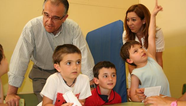 Los Mario Navarcorena, Fermín Martínez y Julen Fernández con Maya y Áriz.