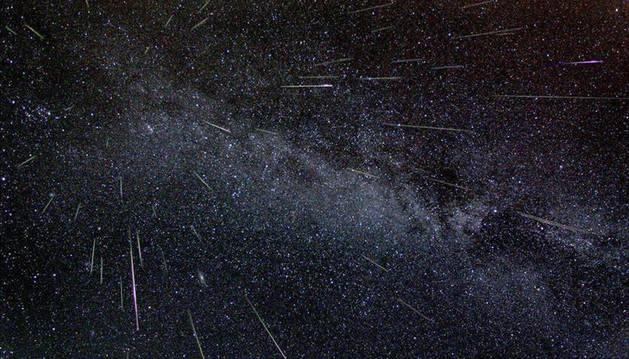Detalle de una lluvia de estrellas fugaces. DN