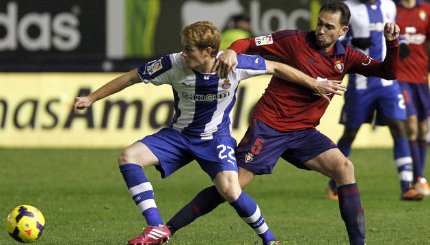 Lolo, en el partido de ida ante el Espanyol en El Sadar