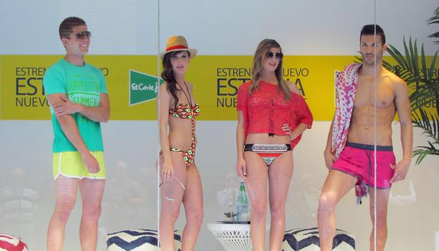 Los finalistas han posado con prendas de sus diseñadores favoritos