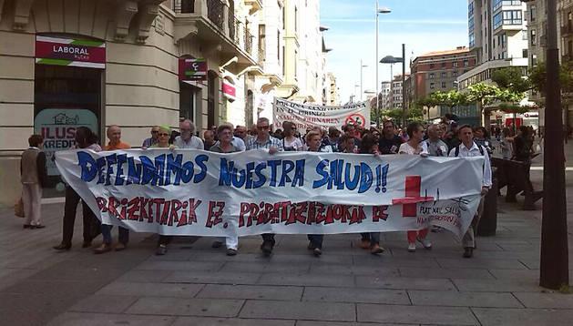 Un momento de la marcha por la calle Carlos III de Pamplona