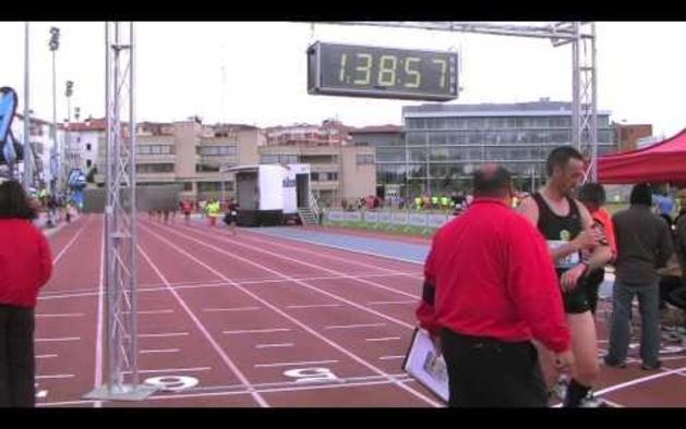 Llegada de la XXXII Media Maratón Ciudad de Pamplona (1:35:00-1:45:00)