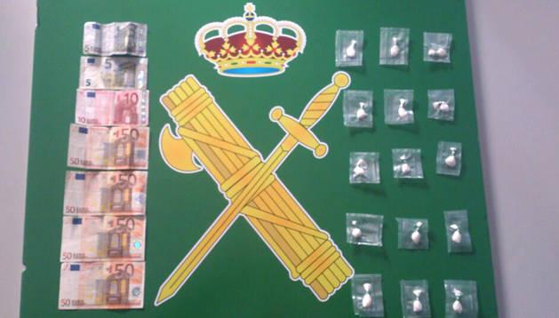 Droga y dinero incautados al detenido en la Ribera de Navarra