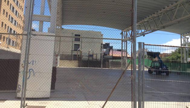Vista de los trabajos previos para ampliar el edificio de aulas