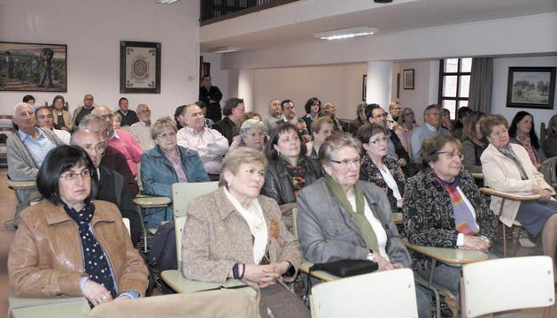 Imagen de parte de los asistentes a la presentación de la obra