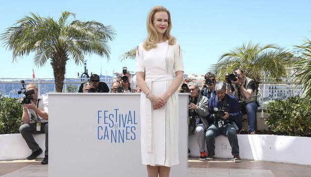 La actriz Nicole Kidman posa para los fotógrafos en la 67 edición del Festival de Cannes (Francia)