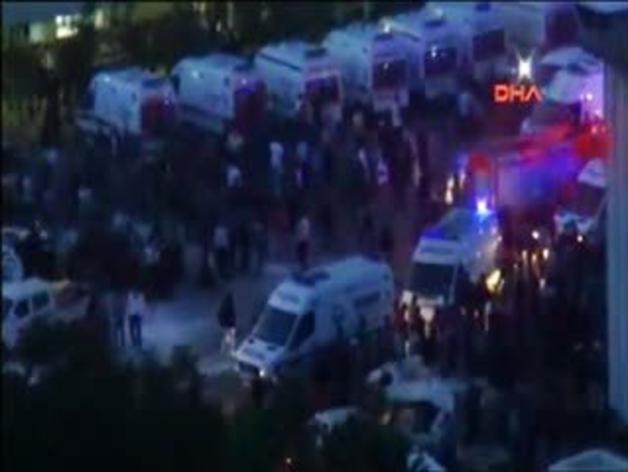 Al menos 201 mineros muertos en la explosión de una mina en Turquía