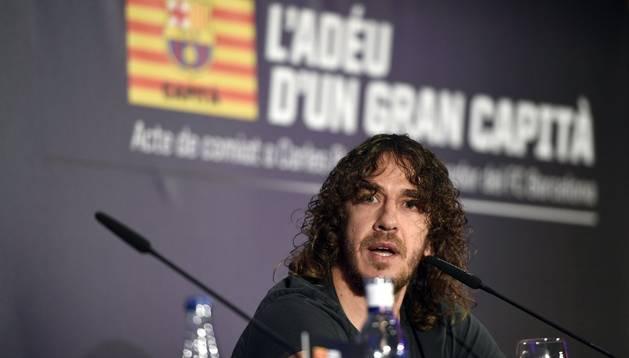El capitán barcelonista Carles Puyol durante la rueda de prensa en la que ha anunciado su adiós del club catalán.