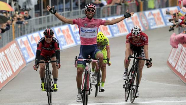 Matthews vence de rosa en la sexta etapa