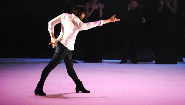 El bailarín Joaquín Cortés ensaya en el Baluarte la obra 'Gitano', estrenada en Pamplona el viernes 16 y el sábado 17 de mayo de 2014.