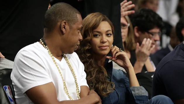 El rapero estadounidense Jay-Z y su esposa, la cantante Beyonce . EFE