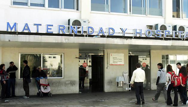 Entrada a Maternidad del Complejo Hospitalario de Navarra