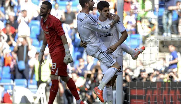 Sergio Ramos felicita a Morata