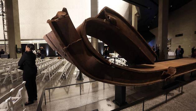 Una viga de acero expuesta en el museo
