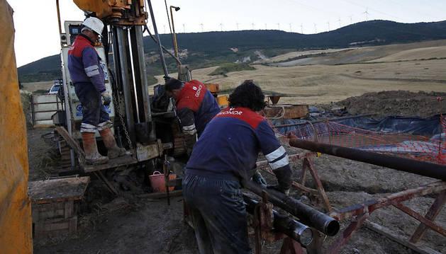 Imagen de los sondeos que realizó la empresa Geoalcali en Biurrun, en el entorno de la sierra de El Perdón, en agosto del año pasado