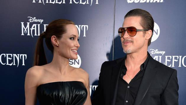 Brad Pitt y Angelina Jolie durante la primere de 'Maléfica'
