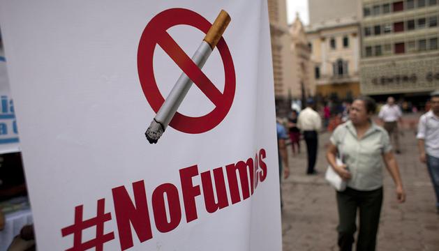 Cartel contra el tabaquismo en Honduras.