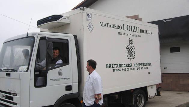 En una imagen de archivo, un camión del matadero