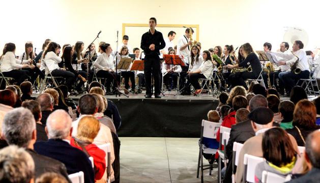 Reciente actuación de la banda de la escuela de música, con el fin de darse a conocer y captar nuevos posibles miembros.