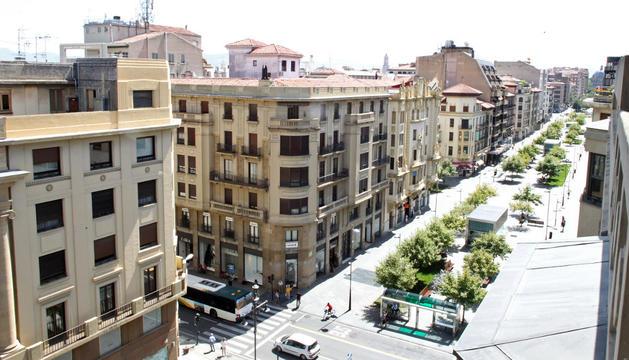 Vista de la avenida de Carlos III, uno de los principales ejes comerciales del Ensanche.