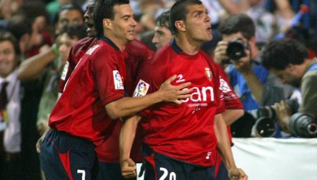 Aloisi celebra el gol en la final de Copa contra el Betis