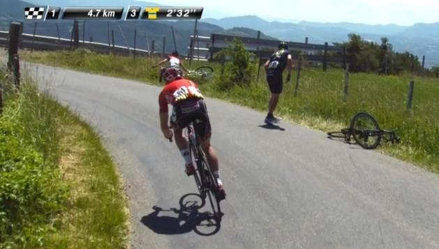 Una caída aparta a Imanol Erviti de la victoria en la Dauphiné
