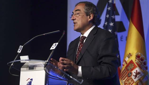 El presidente de la CEOE, Juan Rosell, durante su intervención en la jornada inaugurada en Madrid por el ministro de Asuntos Exteriores, José Manuel García-Margallo, sobre el tratado de libre comercio que negocian la UE y EEUU