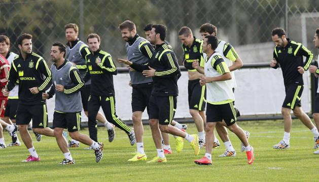 La selección española se ejercita en Brasil