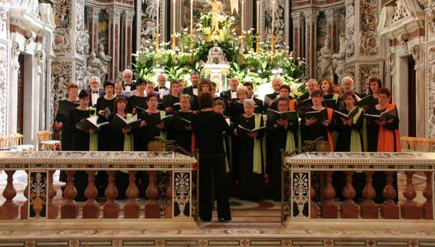 Concierto de la coral San Miguel de Aoiz en la Semana Santa de 2013 en Italia, en la Chiesa del Gesù de Palermo