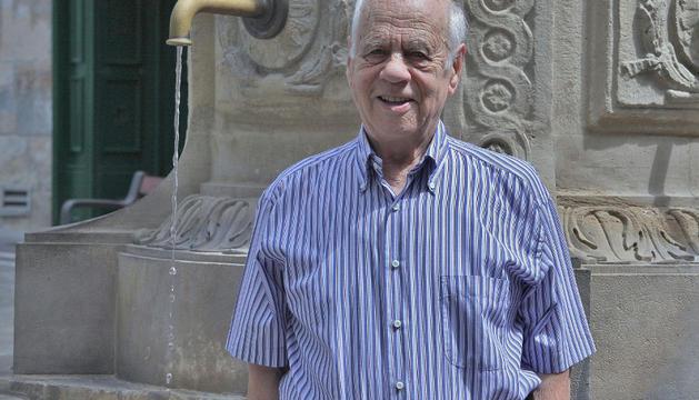 Manolo Otiñano Zazpe, esta semana, en la plaza del Consejo de Pamplona