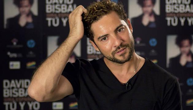 El cantante almeriense David Bisbal durante una entrevista concedida con motivo del inicio de su gira española del disco '' Tú y yo