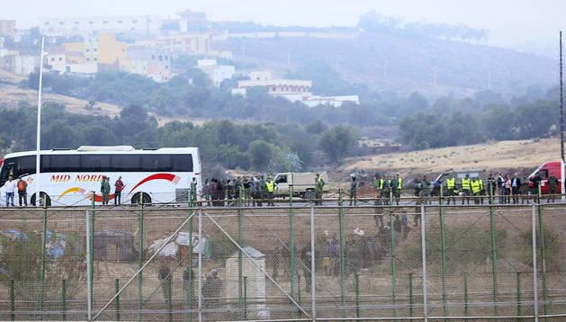 La valla de Melilla tuvo que ser reforzada con mayor presencia de agentes