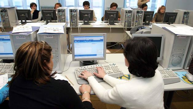 Asistentes a un curso de formación profesional financiado por el Servicio Navarro de Empleo.
