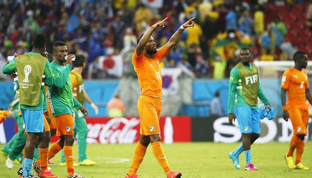 Drogba celebra la victoria de su equipo