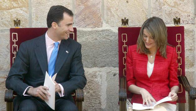 Don Felipe y doña Leticia conversan distendidamente