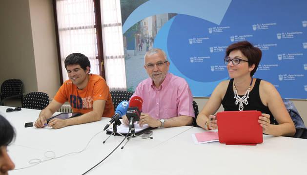 De izda. a dcha., los ediles socialistas Abel del Rey, Manuel Campillo y Ruth de Rioja
