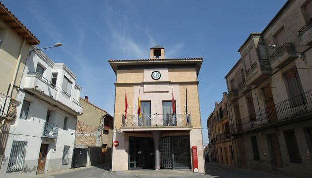 Una imagen de la fachada del ayuntamiento de la localidad ribera de Cabanillas.