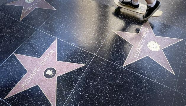Algunas de las estrellas del Paseo de la Fama de Hollywood