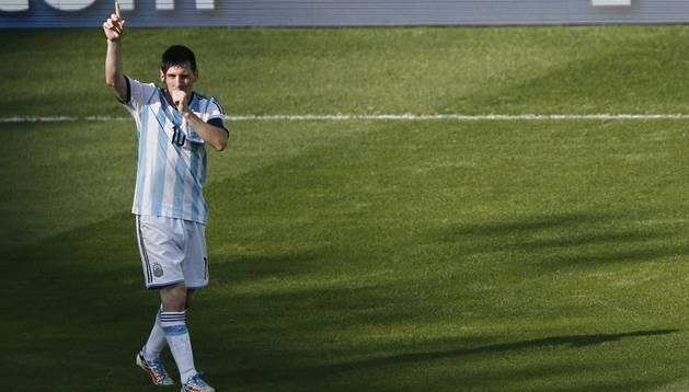 Messi aparece contra Irán y da la victoria a Argentina en el 91